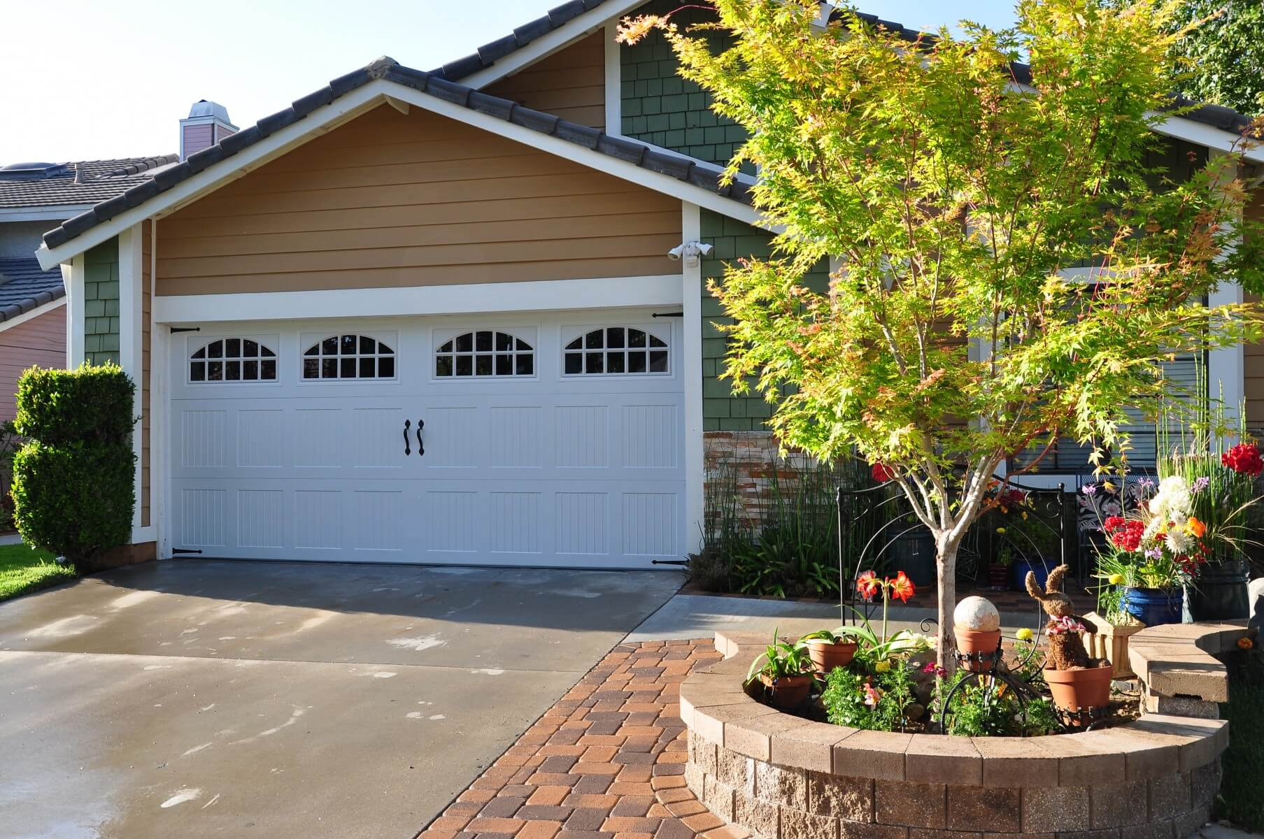 Better curb appeal at this simi valley home with a new garage door after simi valley garage door replacement 1 rubansaba